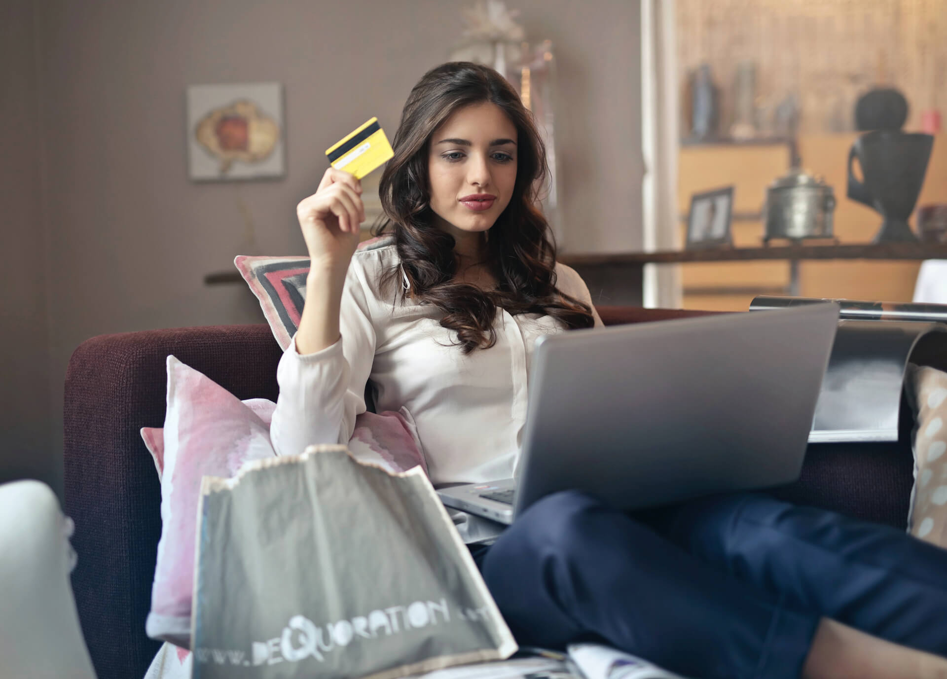 Miten parantaa verkkokaupan myyntiä – vinkkejä konversioprosentin nostoon